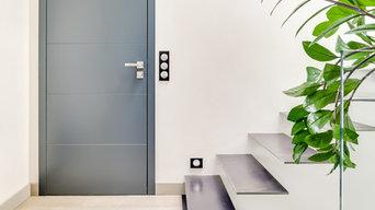 Création et installation d'une porte intérieure en bois