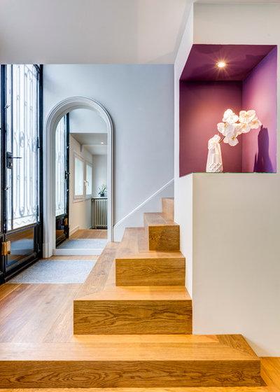Contemporary Entry by SOULSENS architecture intérieure