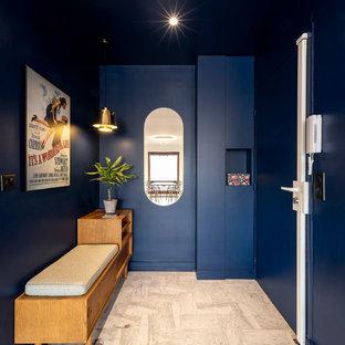 マルセイユのコンテンポラリースタイルのおしゃれな玄関の写真