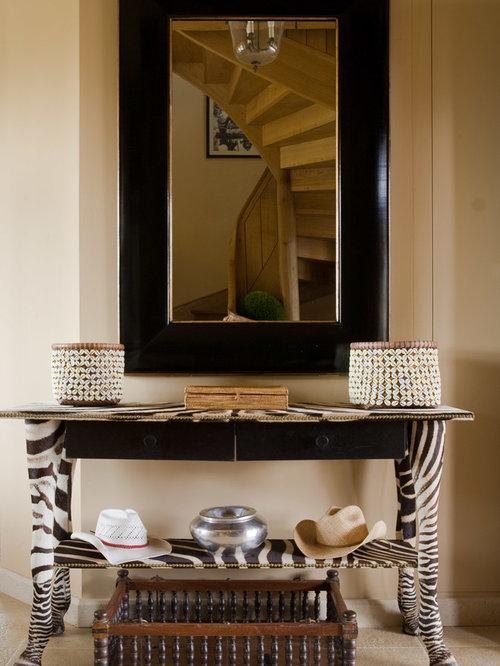 Entr e avec un mur beige photos et id es d co d 39 entr es de maison ou d 39 appartement for Idee deco spiegel