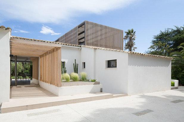 Architecture r gionale la provence et ses toits de tuiles for Porte d entree provencale