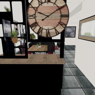 Inspiration för mycket stora industriella foajéer, med vita väggar, en enkeldörr och en svart dörr
