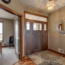 Traditional Entry by R. Fleming Construction