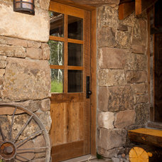 Traditional Entry by Magleby Construction