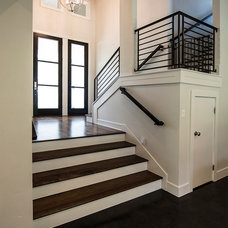 Transitional Entry by Mezger Homes