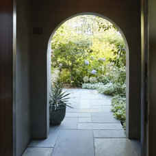 Traditional Entry by Koch Architects, Inc.  Joanne Koch