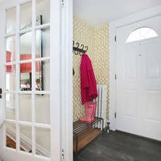 Traditional Entry by Susan Albright Staging and Design