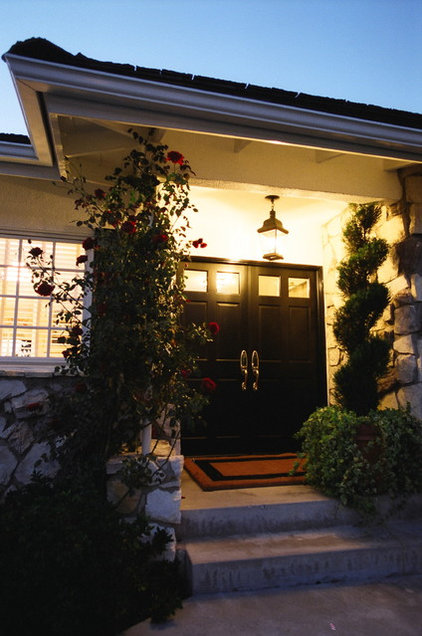 Traditional Entry by Moore About... Design