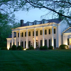 Traditional Entry by Eric Stengel Architecture, llc