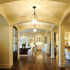 Traditional Entry by Castle Homes