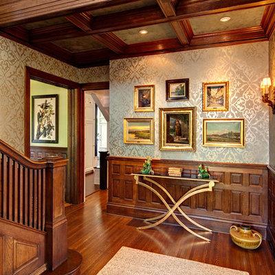Foyer - mid-sized traditional foyer idea in Minneapolis