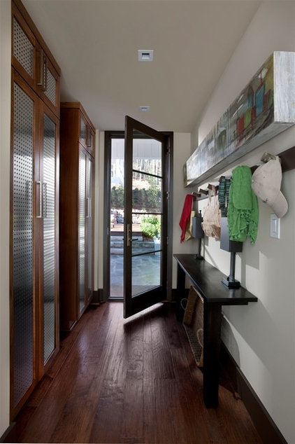 Transitional Entry by Kemp Hall Studio