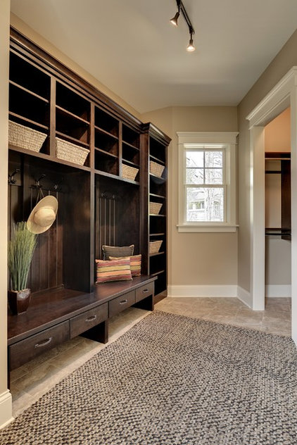 Traditional Entry by Highmark Builders