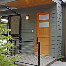 Modern Entry by Anderson Construction Group, Inc.