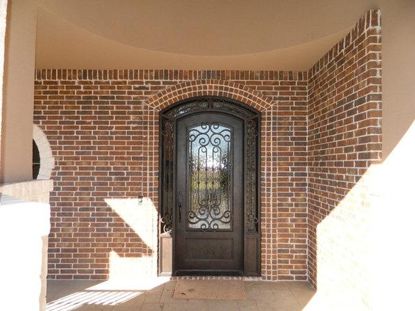 Traditional Entry by Douglas Custom Homes