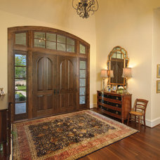 Traditional Entry by Heavenly Homes