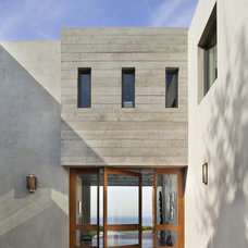 Modern Entry by Burdge & Associates Architects