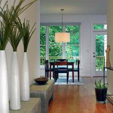 Modern Entry by Rawlings Design, Inc.