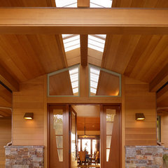 contemporary entry by Stoecker and Northway Architects, Inc.