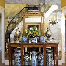Traditional Entry by Sroka Design, Inc.