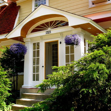 Traditional Entry by Home Restoration Services, Inc.
