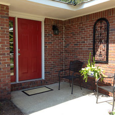 Traditional Entry by Keller Williams Realty River Cities