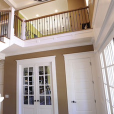 Modern Entry by Weaver Custom Homes