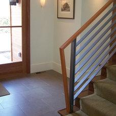Modern Entry by Banducci Associates Architects, Inc.
