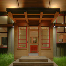 Contemporary Entry by Haven Design Workshop