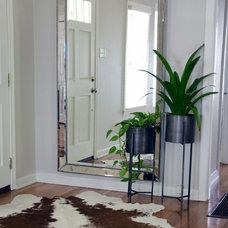 Contemporary Entry by Ashmara Designs