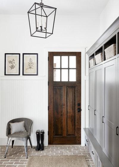 Farmhouse Entry by lisa furey interiors