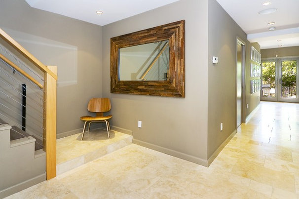Contemporary Entry by Amoroso Design