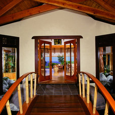 Tropical Entry by Maui Architectural Group Inc