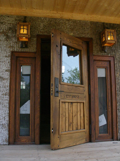 Rustic Entry by Appalachian Woodwrights