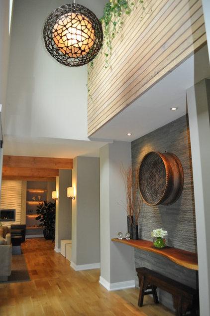 Modern Entry by Sarah Dippold Design