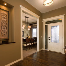 Traditional Entry by Albi Homes