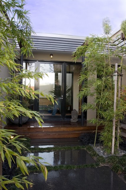 Asian Entry by modern house architects