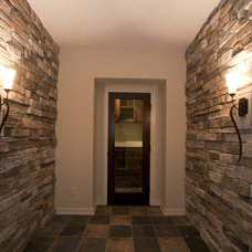 Contemporary Entry by Jim Kuiken Design
