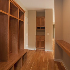 Modern Entry by Jim Kuiken Design