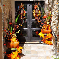 Traditional Entry by In Sight Designs Unlimted