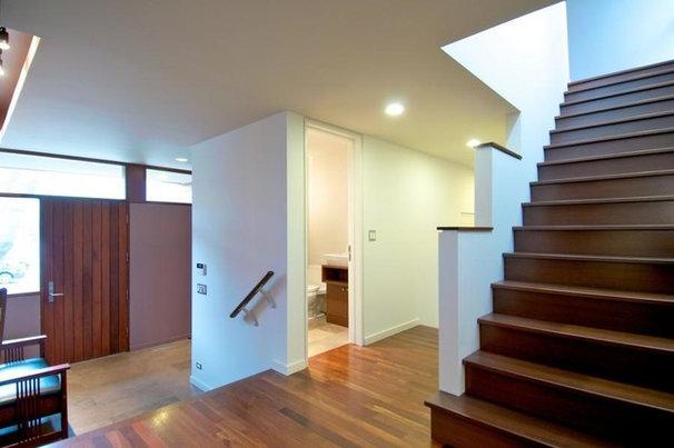 Contemporary Entry by Incite Design