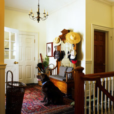 Traditional Entry by Vincent Greene Architects