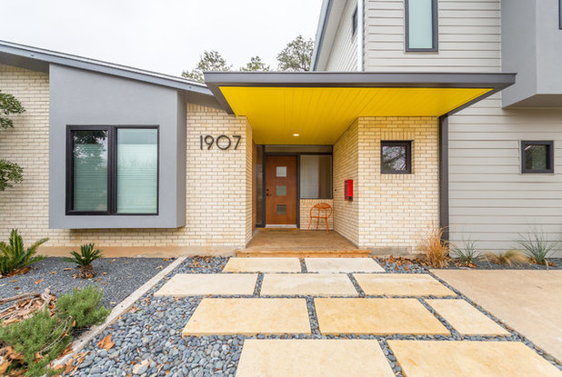 Midcentury Entry by Chris Cobb Architecture