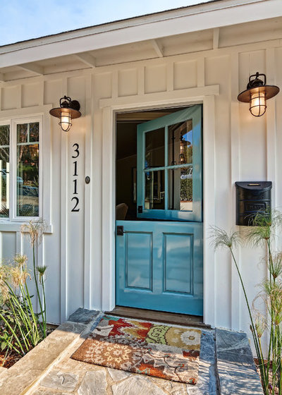 Beach Style Entry by Noelle Interiors