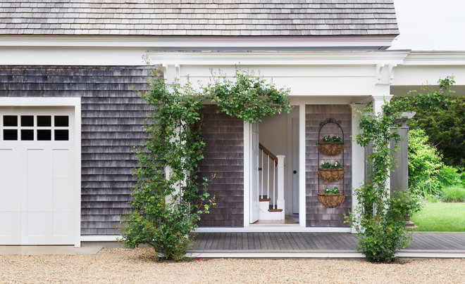 Beach Style Entry by Donald Lococo Architects