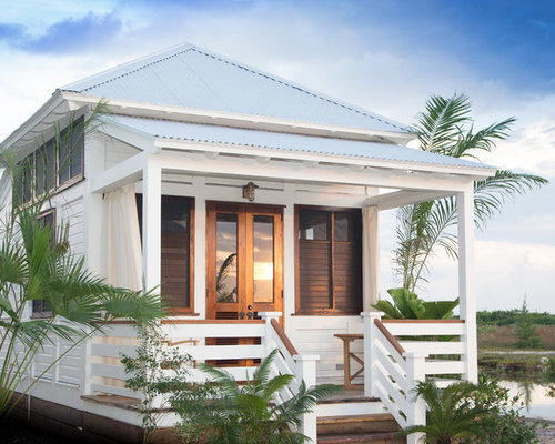 Small beach cottage home design ideas pictures remodel for Small house design houzz