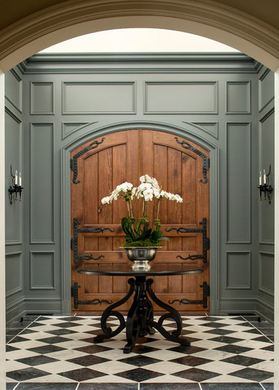 Traditional Entry by ML Interior Designs