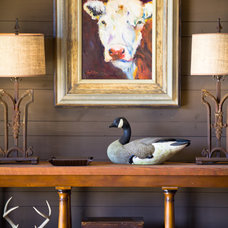 Farmhouse Entry by The Design Atelier, Inc.