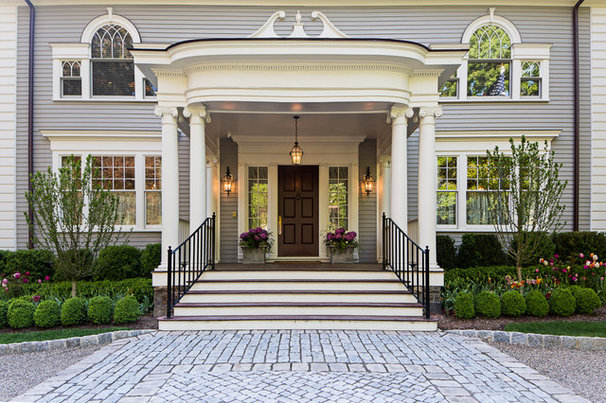 Traditional Entry by Cording Landscape Design