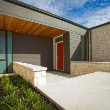 Modern Entry by Camery Hensley Construction, Ltd